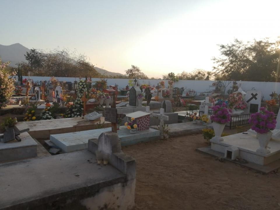 Cementerio Valle de Banderas