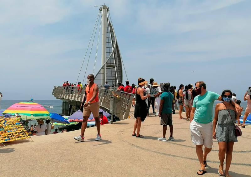 Playa Los Muertos en Semana Santa